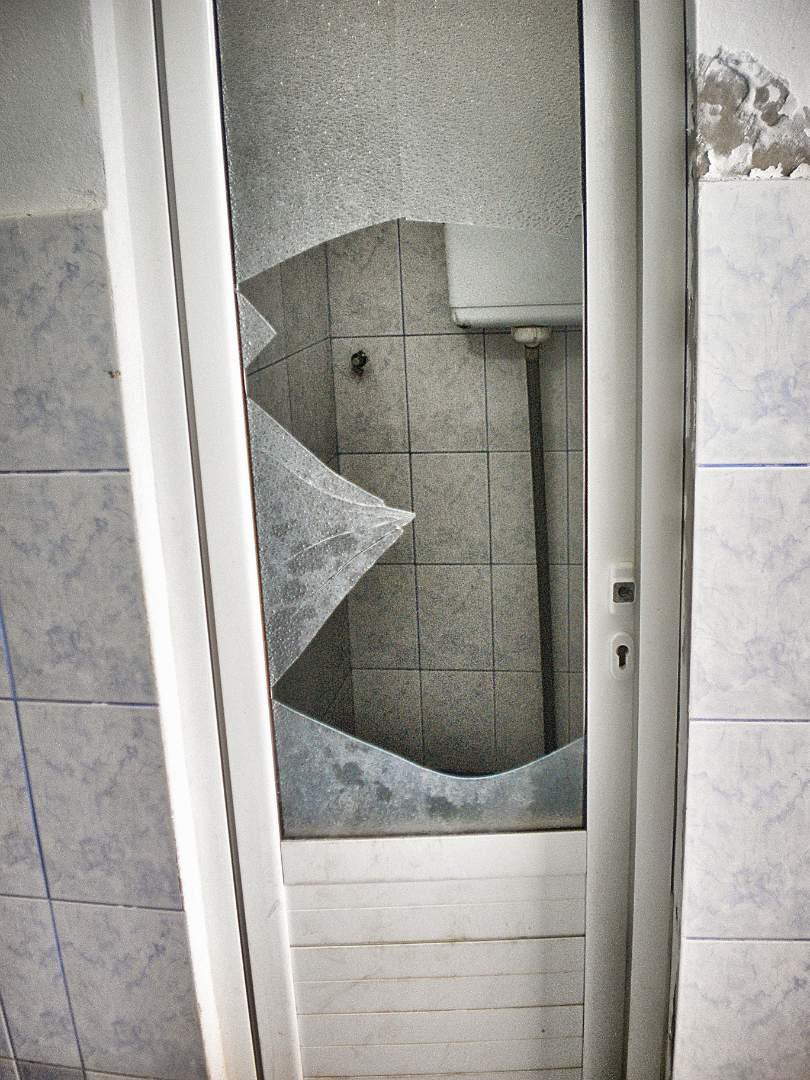 broken bathroom door