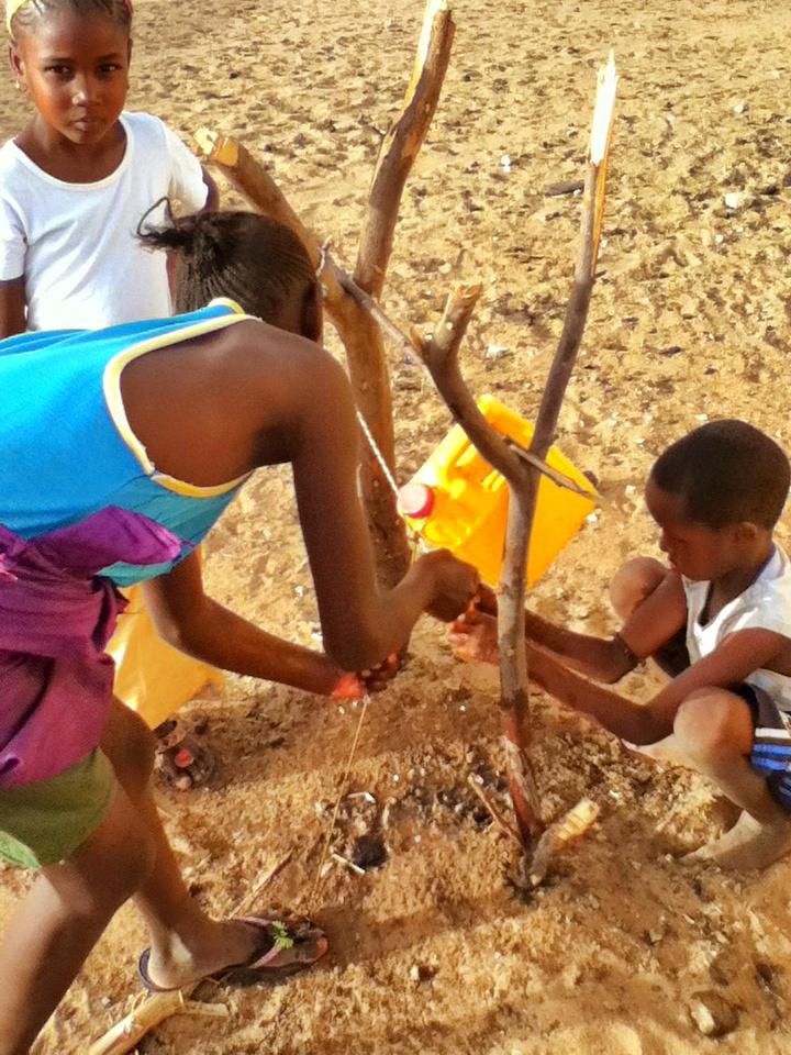 Tippy Tap Installation - Senegal