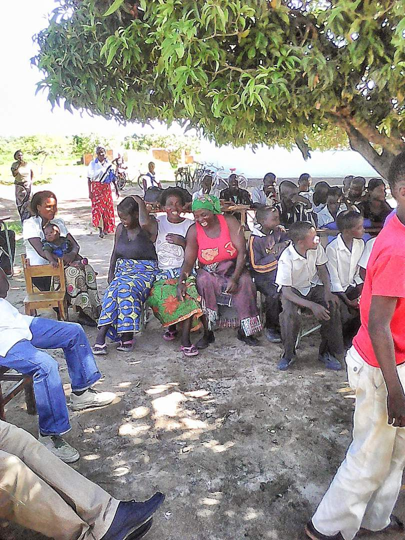 Parents attending a meeting at Fimpulu