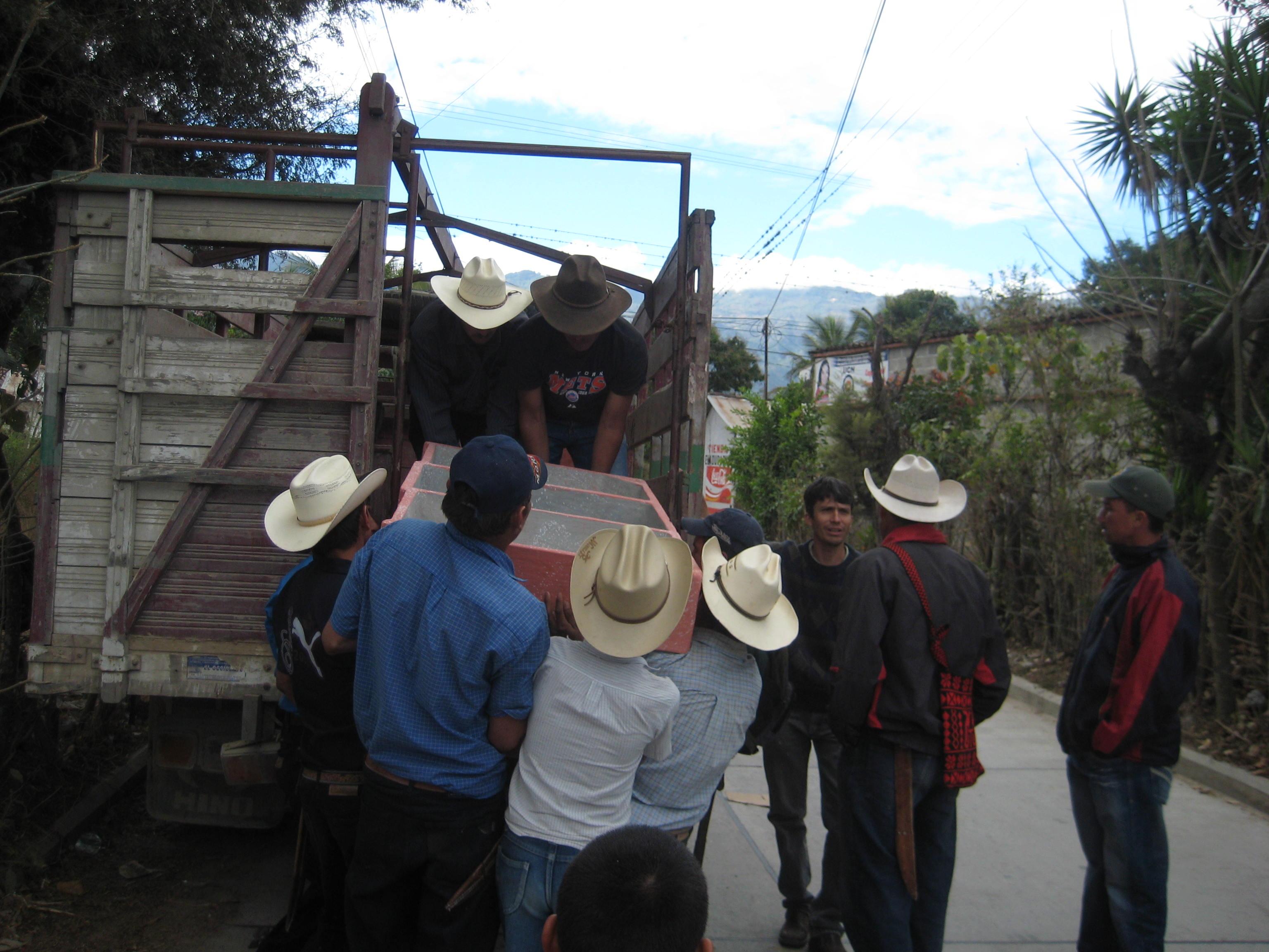 Unloading the Pilas